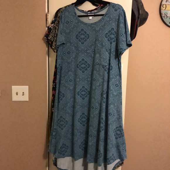 LuLaRoe Dresses & Skirts - LuLaRoe Swing Carly Dress